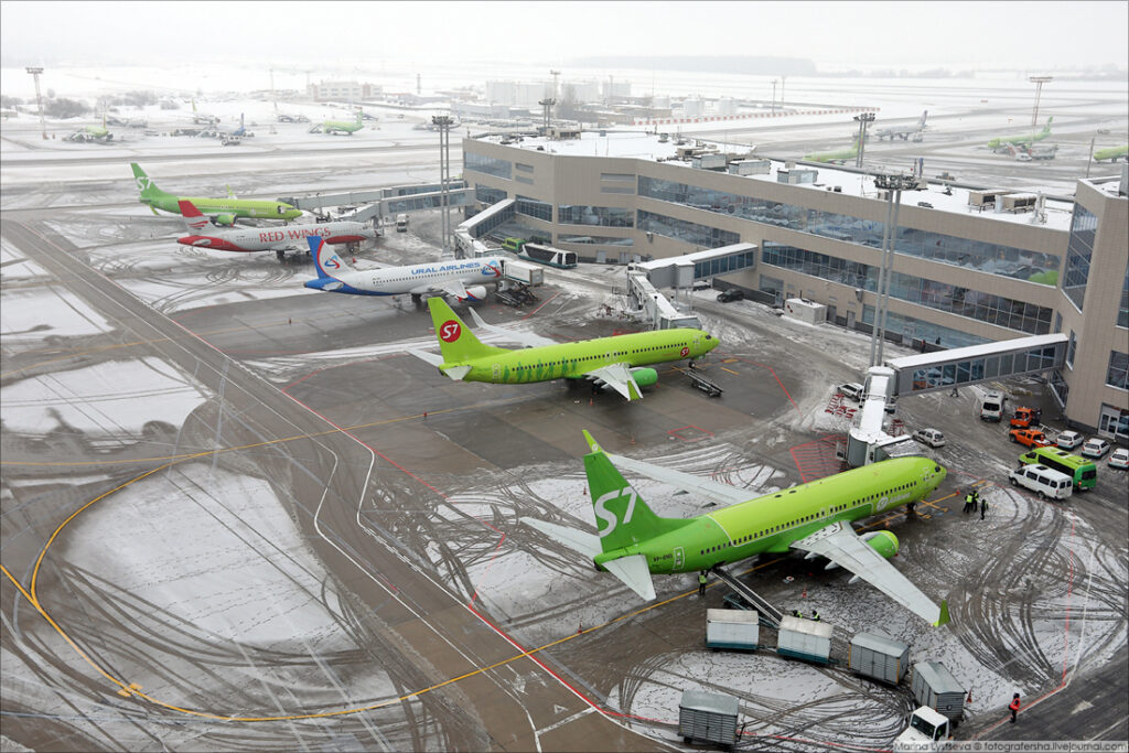 Аэропорт Разметка в аэропорту Перрон