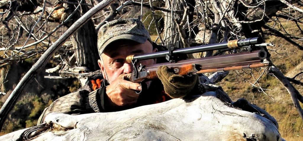 В засаде с современной репликой винтовки Педерсоли .50, времен гражданской войны в США